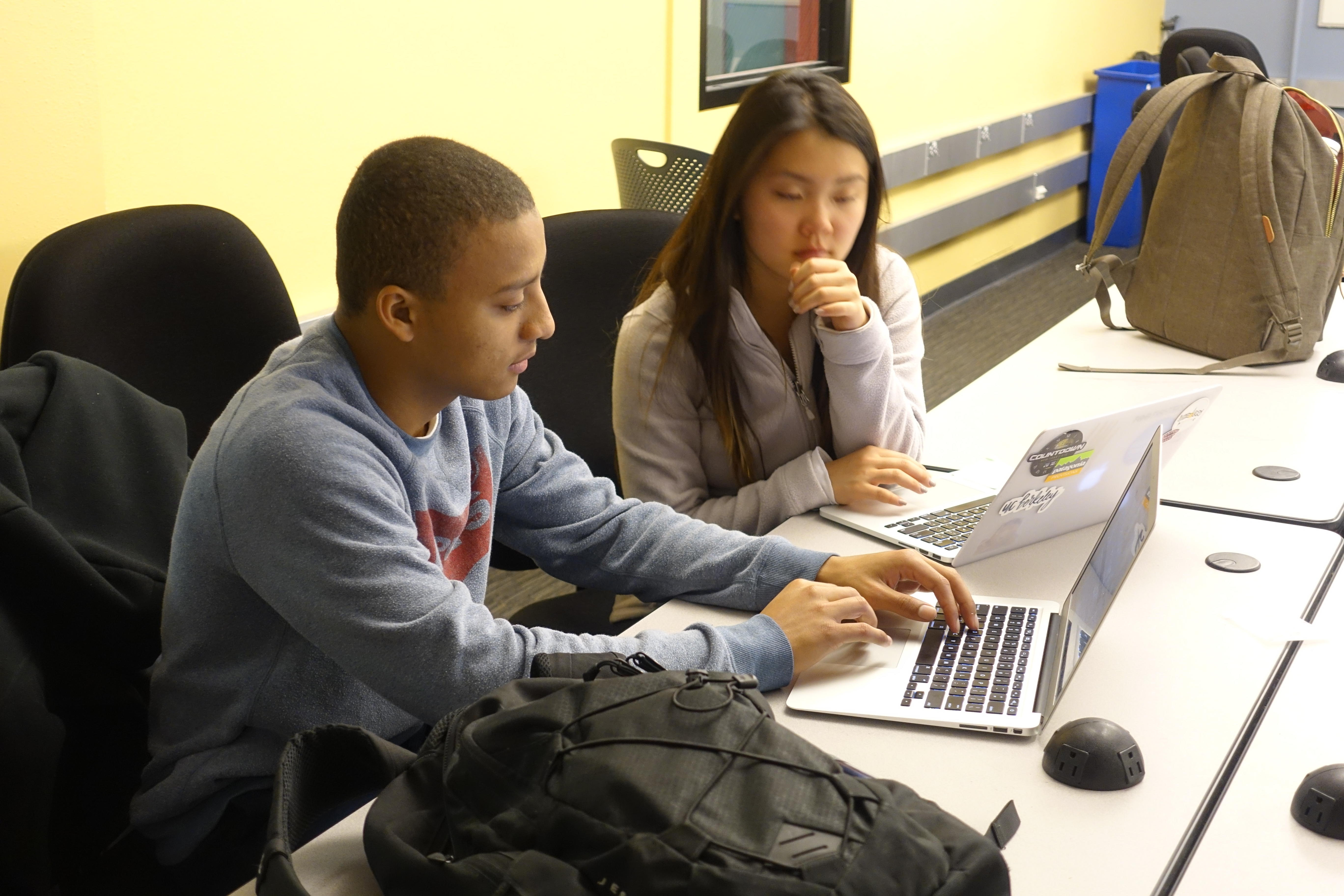 Students in Data Science module in Victoria Robinson's Ethnic Studies course