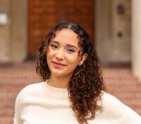 Alexandra (Alex) - Peer Advisor Bio Photo